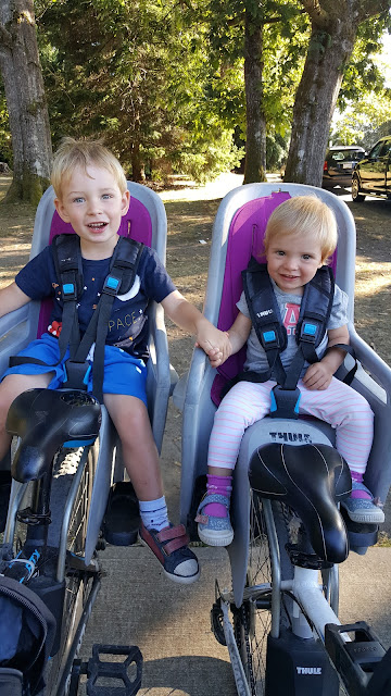 kids-on-bike-seats