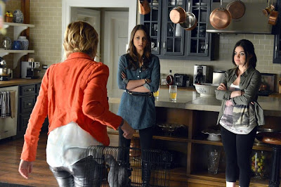 Pretty Little Liars S04E02. Turn of the Shoe