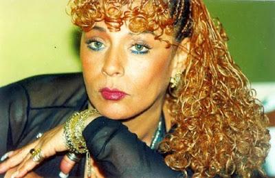 Foto de Lucía de la Cruz con cabello largo