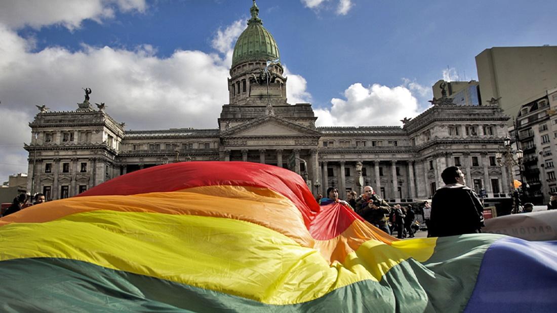 Al menos 20.244 matrimonios igualitarios se celebraron a partir de la ley