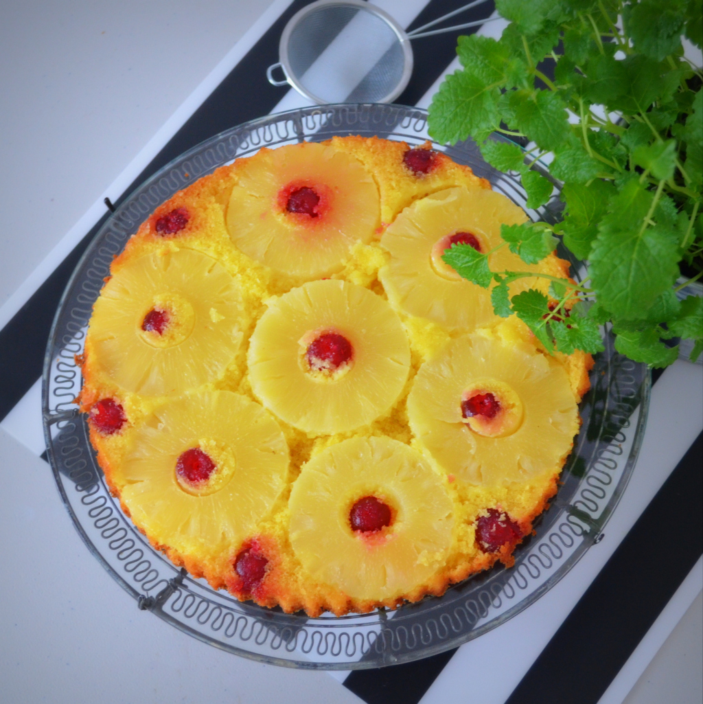 placek-anansowy Odwrócony placek ananasowy Nigelli