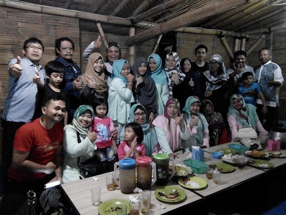 Kumpul Keluarga Sambil Kuliner di Warung Nasi Bu Ika Soreang