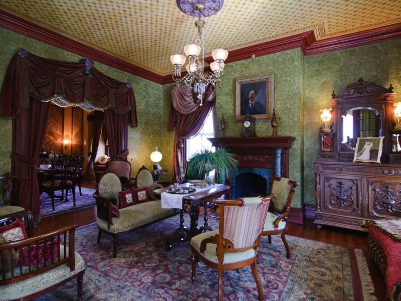 victorian gothic interior style victorian style interior design. Black Bedroom Furniture Sets. Home Design Ideas