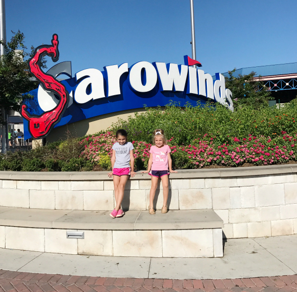 day trip in North Carolina, carowinds, family friendly amusement park. lifestyle blogger, north carolina blogger