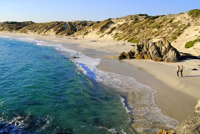 Senarai Pantai Paling Bahaya Di Dunia