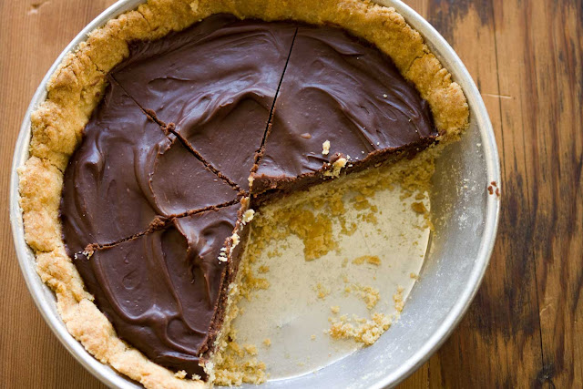 7-inch Dark Chocolate and Salted Caramel Pie