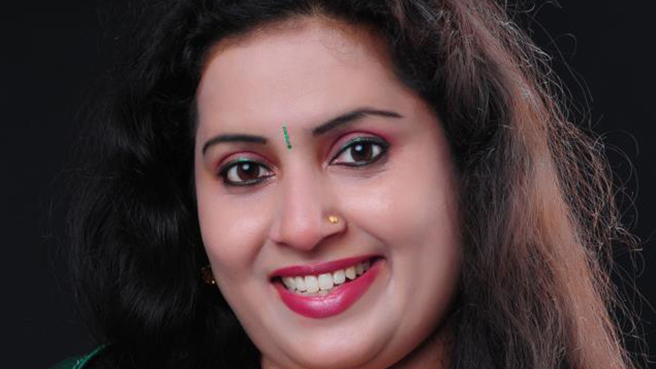 Malayalam Tv Serial Actress Malayalam Tv Actress Graashma -4219