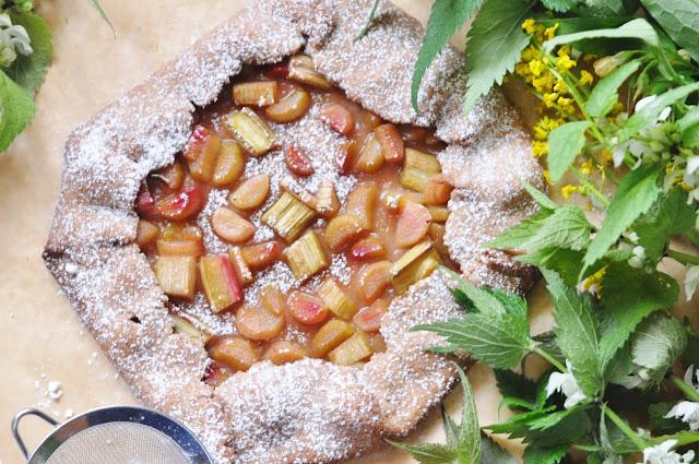Rustykalna tarta pełnoziarnista z rabarbarem | bez cukru, bez laktozy |