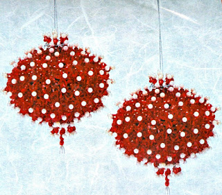 The Red Rubies and Snowdrop Ornaments Kits includes supplies to make 2 beautiful beaded ornaments.