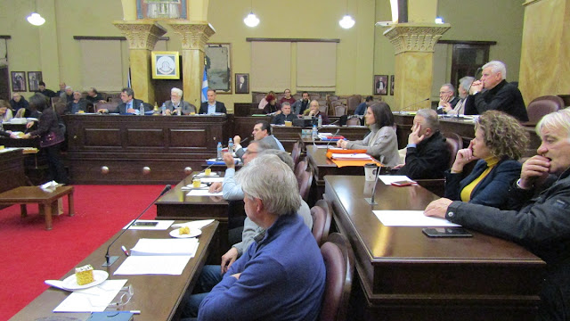 Γιάννενα: Ιόνια Οδός, Β' Κλειστό και «σπιτάκια» ανακύκλωσης,στο δημοτικό συμβούλιο