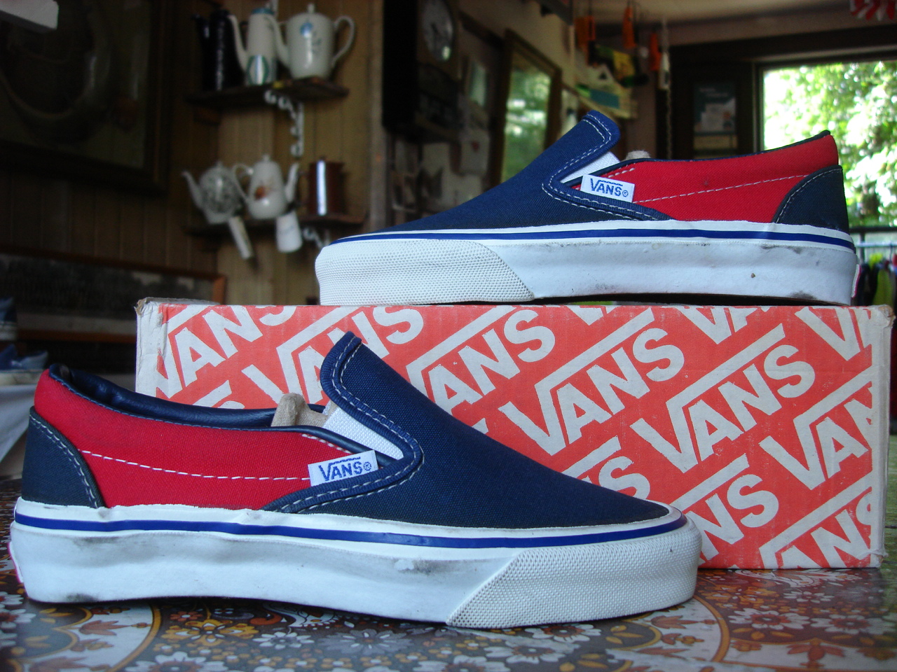 8950533176 vintage vans style  98 slip-on 2-tone blue red blue made in usa circa 1988  new in box. US4 UK3.5