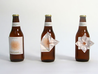 Diseño de etiqueta de bebida.