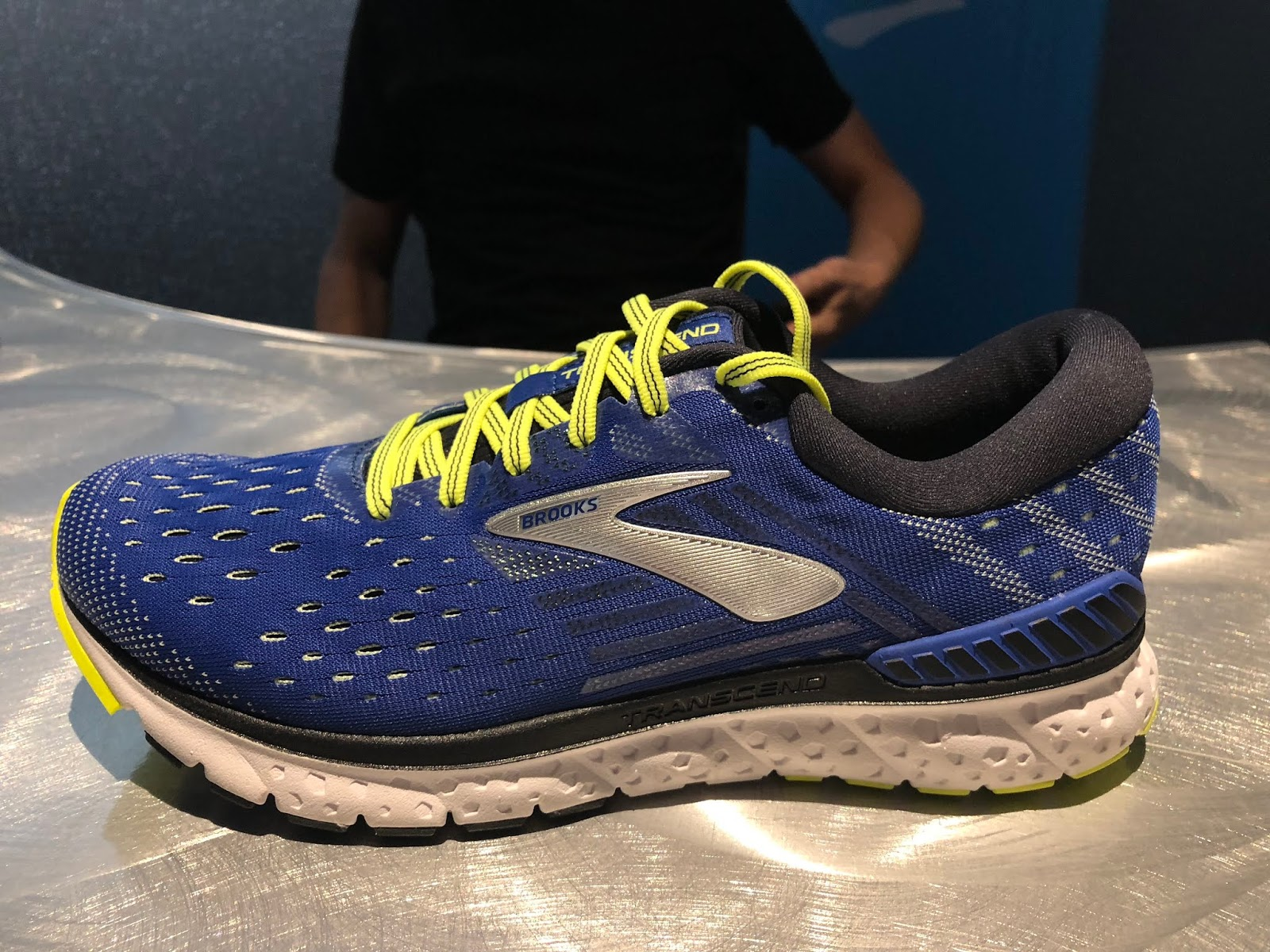 2b3a9d31b7059 Joining the Glycerin the Transcend 6 gets a full length DNA Loft midsole so  we expect a yet softer and livelier ride with near neutral shoe  characteristics ...