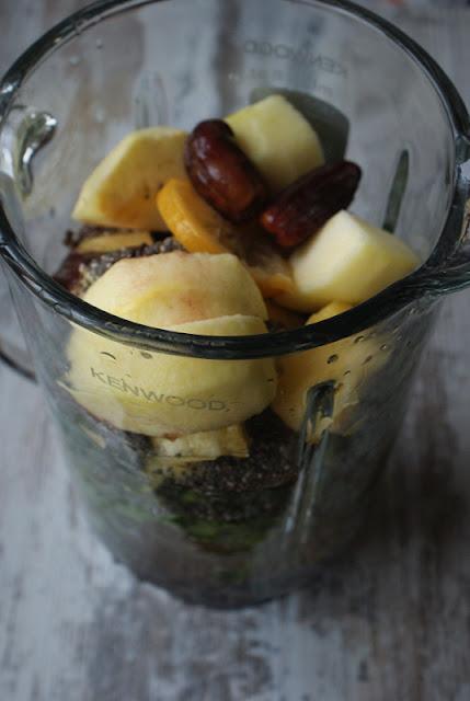 szpinak,nasiona chia,ananas,koktajl,cytryna,dieta,detoks