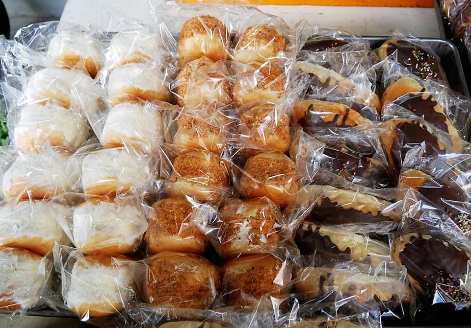 雲林土庫《金琴西點麵包 便宜但真材實料》10元麵包樸實好吃