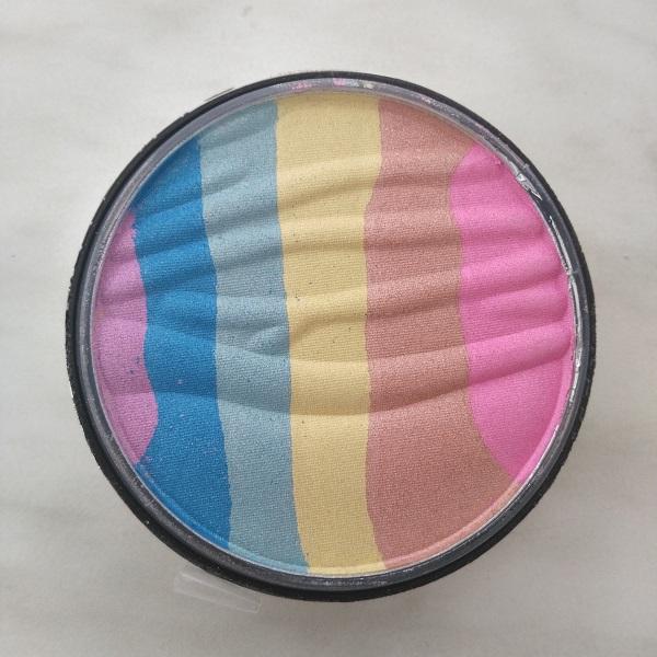 Farben des Highlighters rosapink, bronzebraun, goldgelb, türkis, blau, mauve