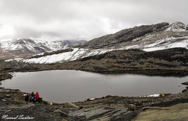 Salendo verso il Nevado Pastoruri