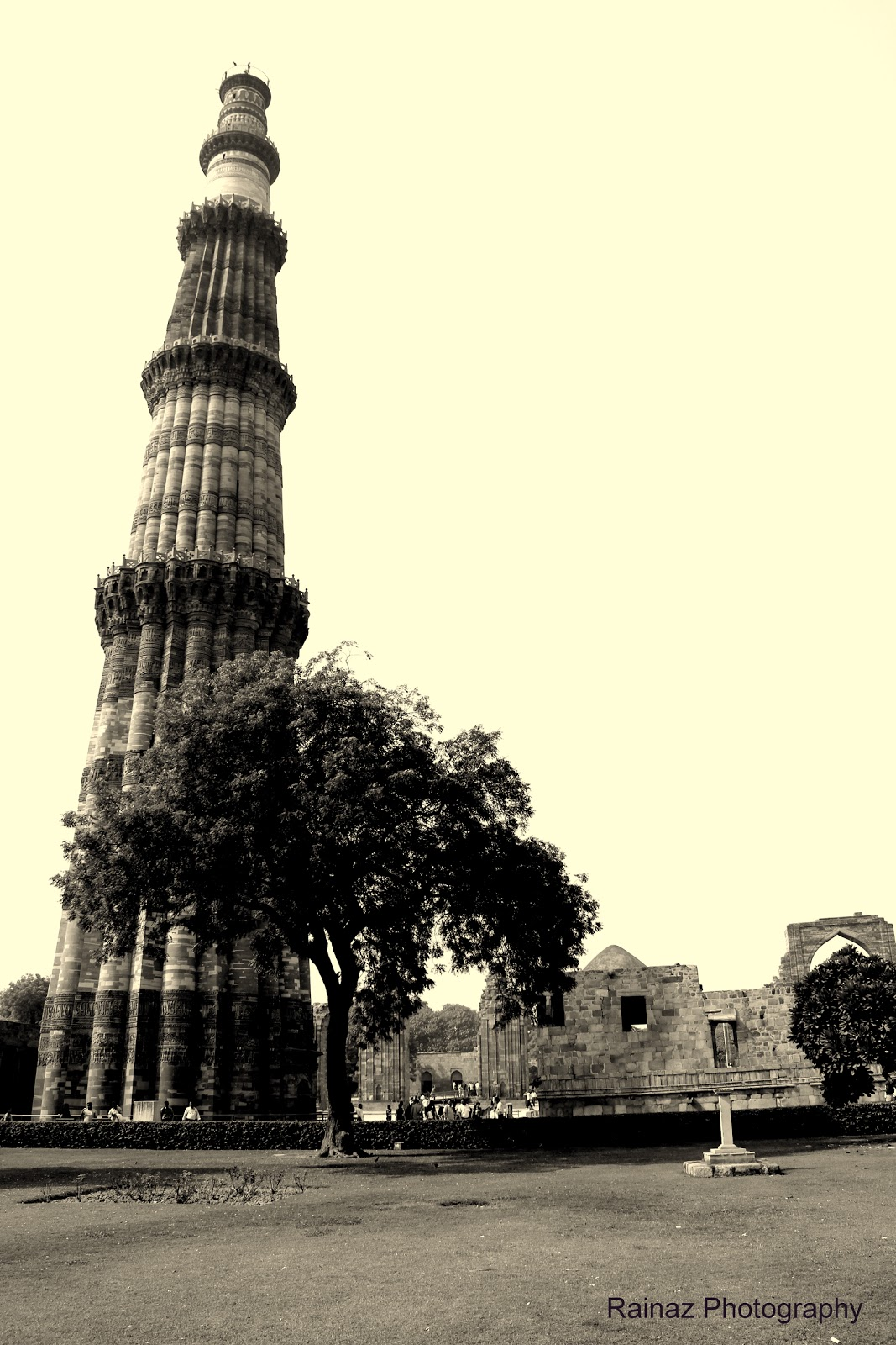 Qutub minar the archaeological map