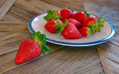 15+ Amazing Benefits Of Strawberry