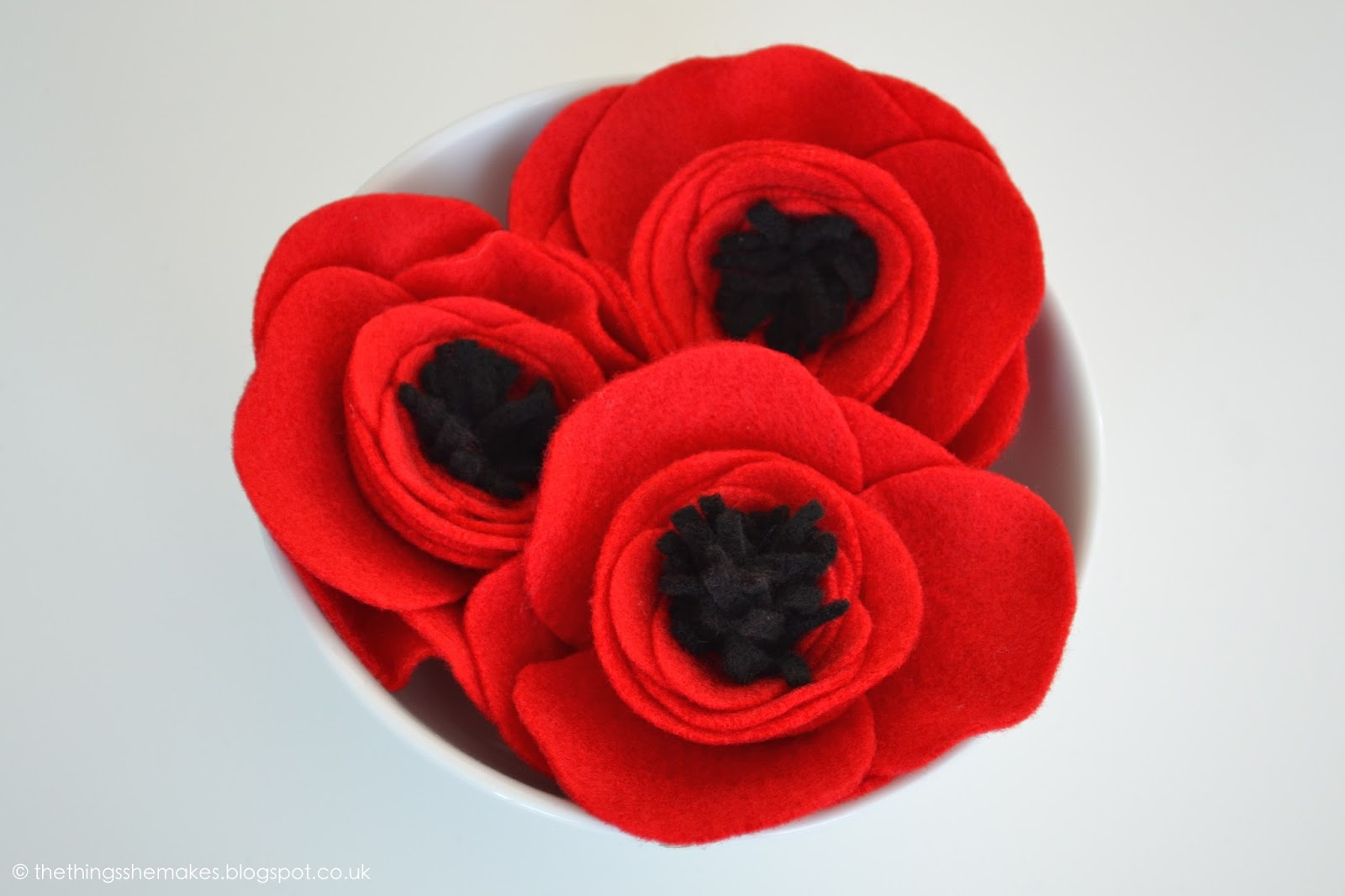 How to Make Felt Flowers   Poppies   The Things She Makes How to Make Felt Flowers   Poppies