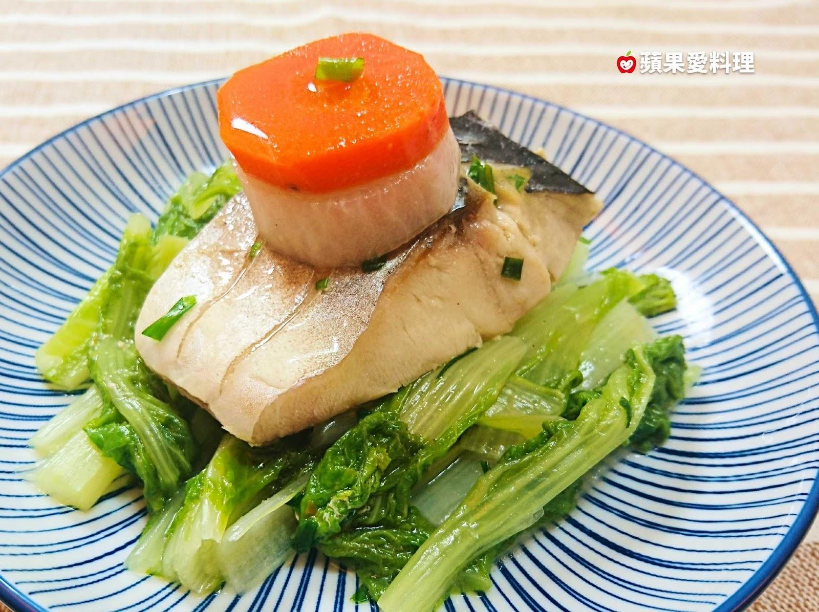 蘋果愛料理: 蘿蔔燉鯖魚