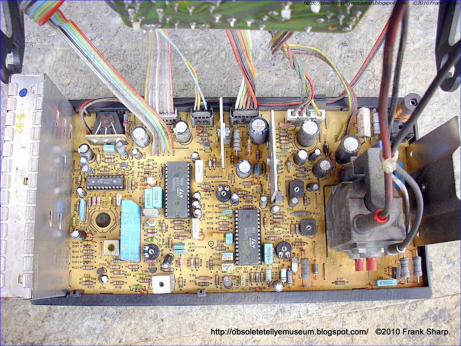 Obsolete Technology Tellye Mivar 14v2e Chassis 3608 1 Internal View Hobby Electronics Circuits Input Trigger Synchronized Monostable Amplifier With Fly Back Generator Such As The Tda8170 Secondary Switch Mode Power Regulation Smps Output Synchronize A Primary Ic