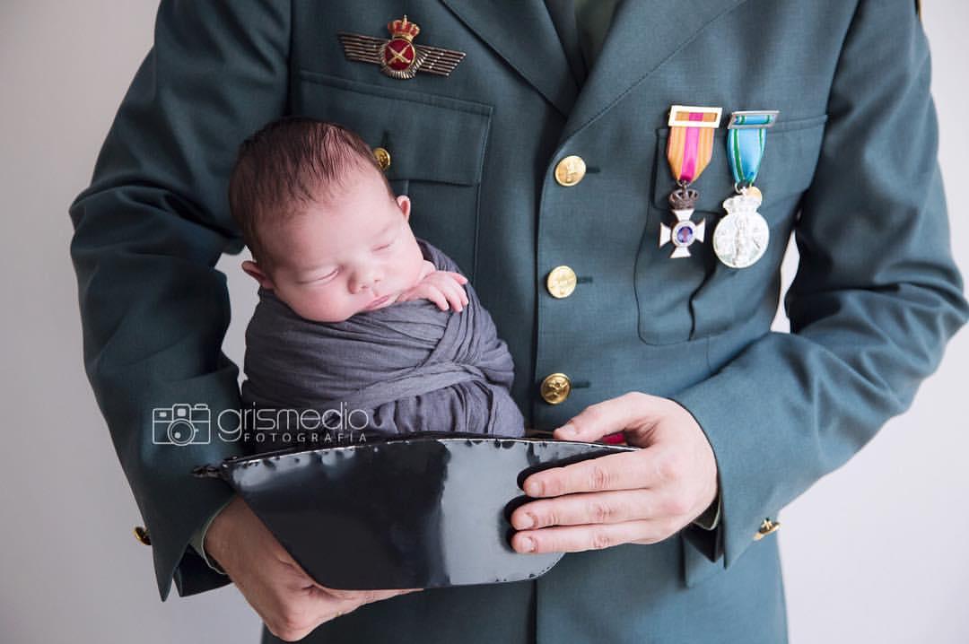 reportaje-newborn-en-zaragoza-uniformes