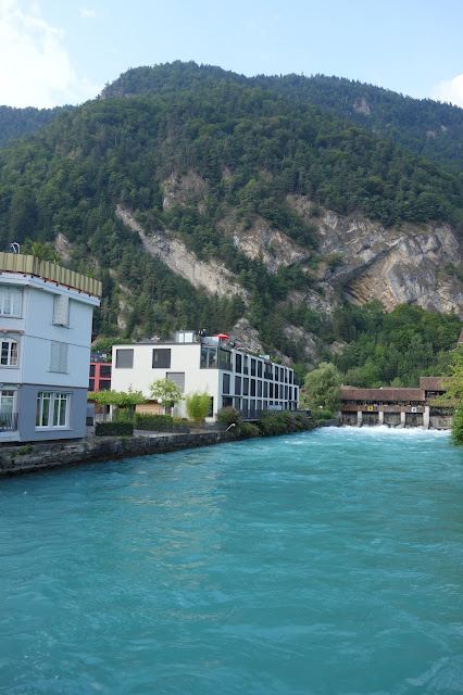 Interlaken, Lakes, Lake, Thun, Brienz, Bike, things to do on the lake, History, villages, Switzerland, Aare, river, Lutschine, rafting, walking, hiking, paragliding, beautiful, scenic, Giessbach Falls, kayak, paddleboard, canoe, surfing, wake surf, wakeboard, tubbing, banana, jetboat, things to do in Interlaken, rainy day, Swimming, lido, pool, wild swim, alps, Swiss, Bern, Eiger, Jungfrau, rapids,