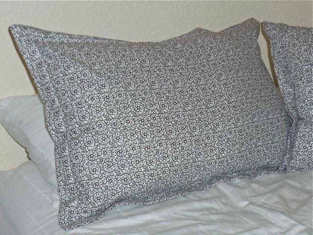 kayla lebaron interiors how to make a pillow sham. Black Bedroom Furniture Sets. Home Design Ideas