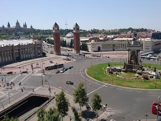 Ihana ja kamala Barcelona aikuisporukassa, osa 2: Olympialaisia, viinitiloja ja Gaudía