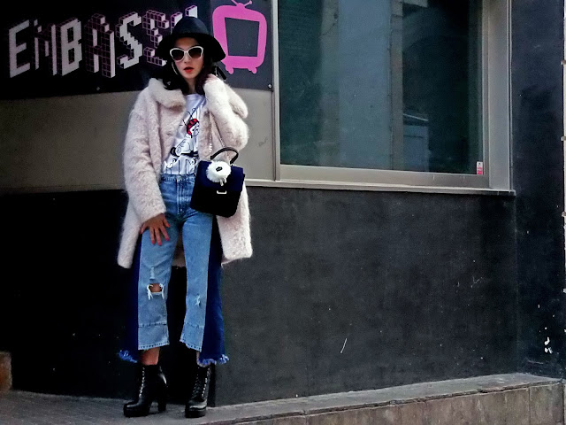 fashion, moda, look, outfit, blog, blogger, walking, penny, lane, streetstyle, style, estilo, trendy, rock, boho, chic, cool, casual, ropa, cloth, garment, inspiration, fashionblogger, art, photo, photograph, Avilés, asturias, zara, jeans, Florida, coat, ripped, worn