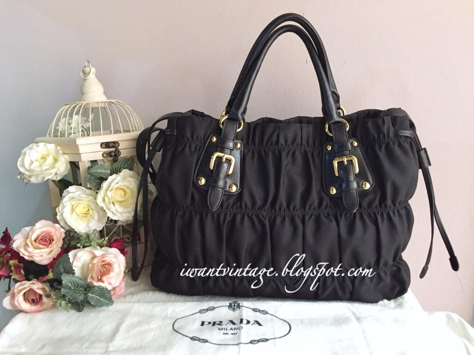 8a517a533845 ... closeout prada bn1788 gaufre tessuto nylon bag black aacfc 1c9f8