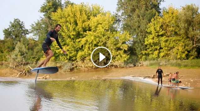 Première mondiale session en surf foil sur un mascaret avec Ludovic Dulou