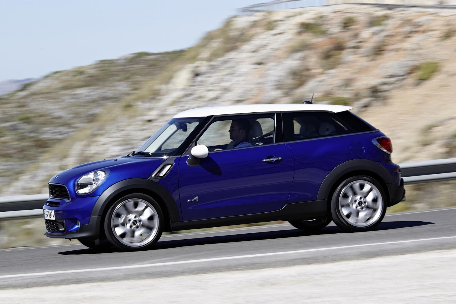 car release date 2013 mini cooper review specs price pictures. Black Bedroom Furniture Sets. Home Design Ideas