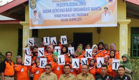 Para peserta simulasi tanggap bencana di Piasa Ulu Asahan.