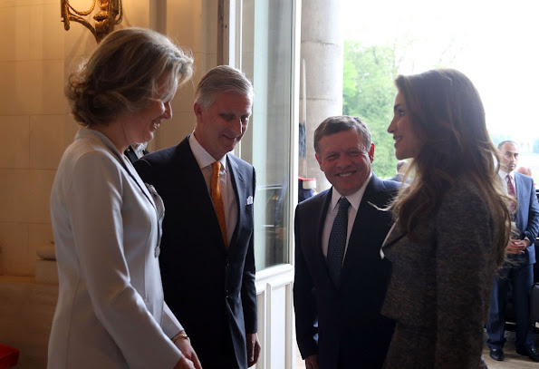 King Abdullah and Queen Rania of Jordan met wit King Philippe and Queen Mathilde of Belgium. Crown Princess Elisabeth, Prince Gabriel and Prince Emmanuel. Spring Summer Dress