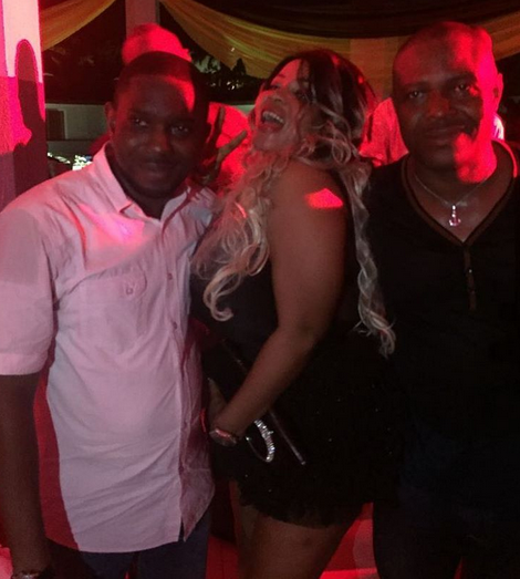 4 Photos: Cossy Orjiakor exposes B**b$ once again at a party in Abeokuta