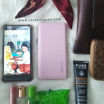 5 barang yang ada di tas