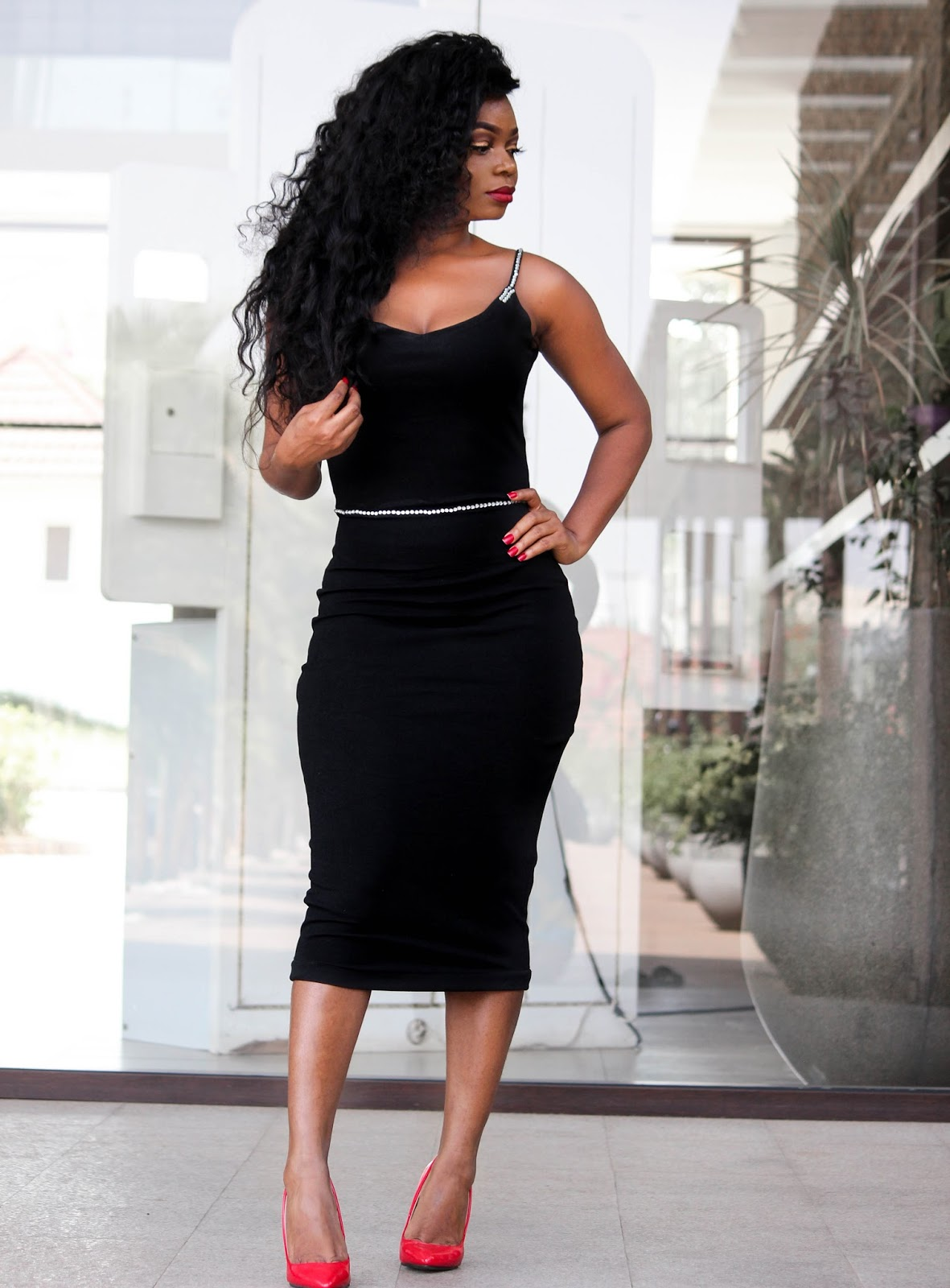 BLACK BODYCON DRESS - Black Bodycon Dress from Porshher