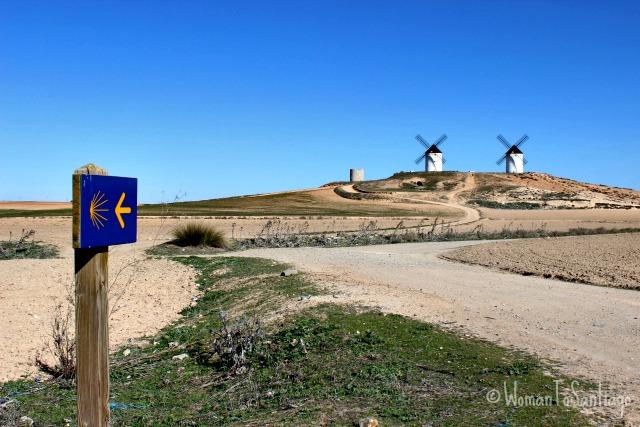 foto de molinos y flecha