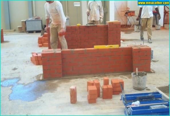 parede tijolos aparentes