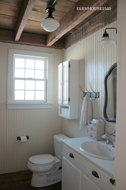 Farmhouse 5540 Farmhouse Powder Room