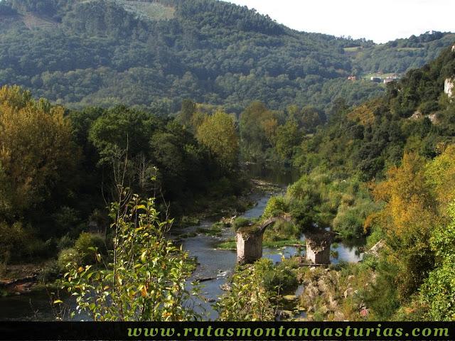 Ruta de Priañes: Presa del Furacón ruinas de un puente