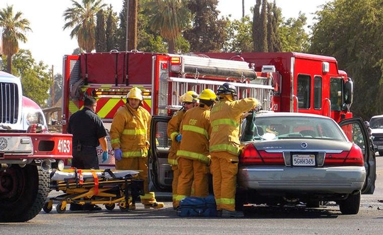 porterville bus crash car collision highway 190 plano street