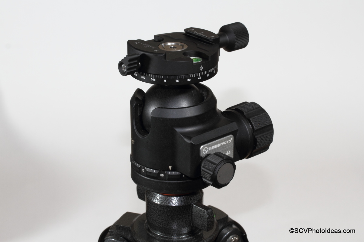 Sunwayfoto DDH-03i /2014 Panning Clamp on XB-44 LP Ball Head