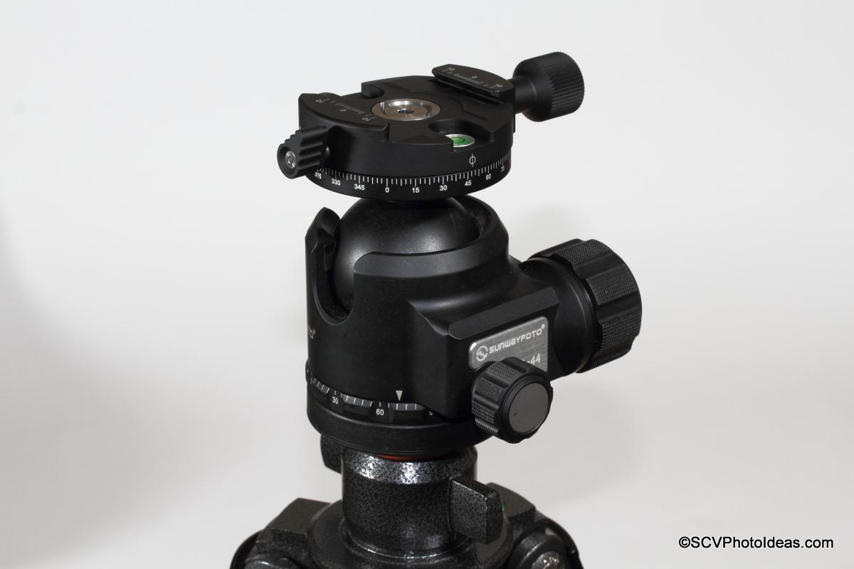 Sunwayfoto DDH-03i /2014 Panning Clamp on XB-44 LP Ball Head