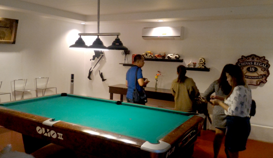 Kusina sa Subli's Private Room with Billard table