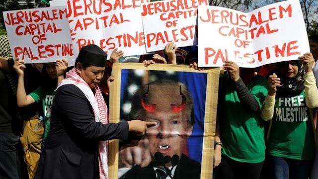 Philippine protesters denounce Trump's Jerusalem al-Quds move