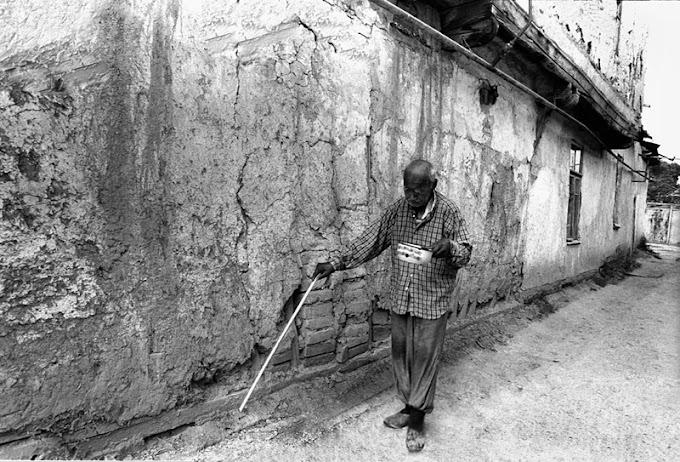 O Cego Econômico que Enterrava Dinheiro