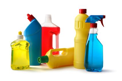 Z mydłami detergenty nie mają nic wspólnego. Usuwają trudne zabrudzenia tłuszcz i smary ale to tylko chemia.